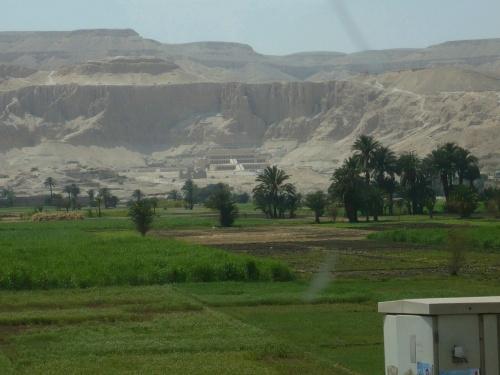 91 Luxor Blick auf das Tal der Könige