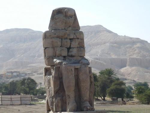 94 Luxor Statuen v. Amenophis III _2