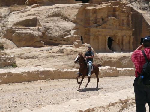 101 Akaba Fahrt nach PETRA