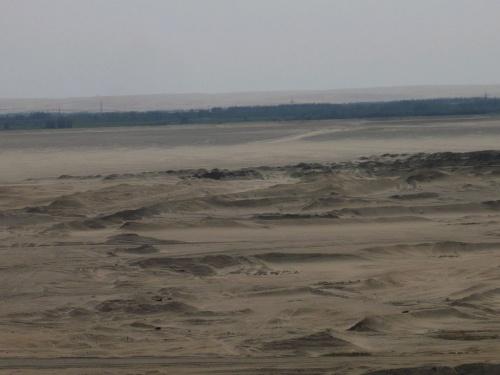 124 SUEZ - KANAL - Durchfahrt - viel Wüste