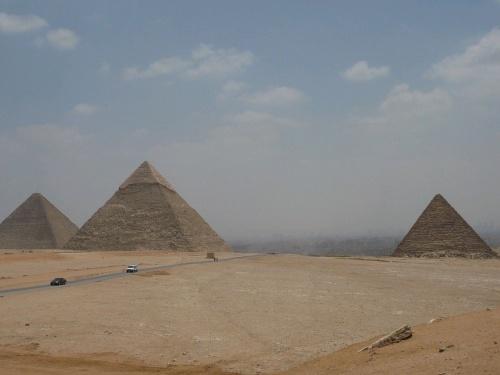 134 Gizeh  Cheops- _ Chefren- und Mykerinospyramide