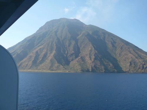 151 Insel Stromboli nach Straße von Messina