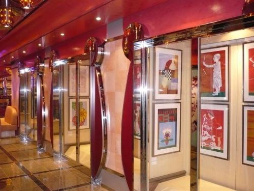 154 Kunstgalerie auf dem Weg zumGala-Abendessen