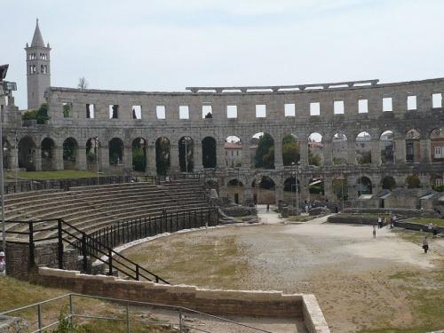 Pula_ Amphitheater T3