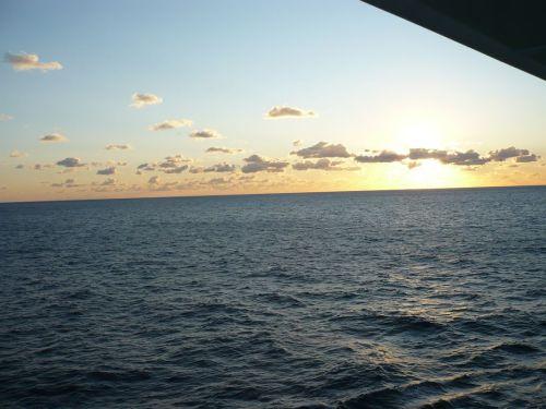 012 Erster Sonnenaufgang