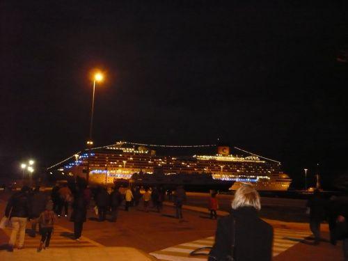 104 KORFU Unser Schiff am Abend