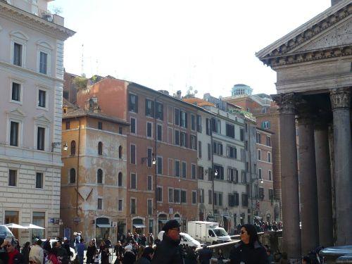 121 ROM Platz vorm Pantheon