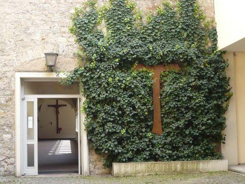 Würzburg 086 - Impressionen - Hof Franziskaner Kloster