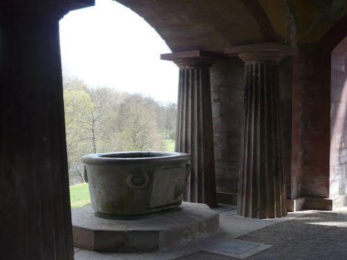 Weimar Nymphenbrunnen / Römisches Haus