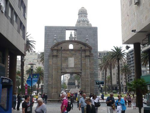 046 6.KSF MONTEVIDEO _ Plaza Independencia