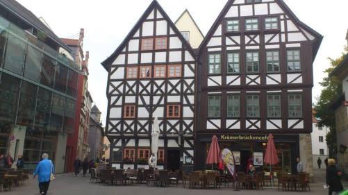 Benediltplatz 2