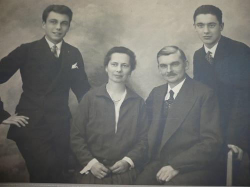 1931 - Karl u. Klara Tettschlag mit ihren Söhnen