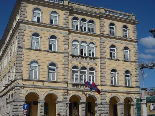 060 Labin  Rathaus