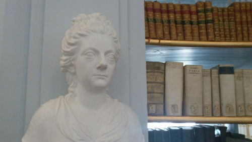 Weimar 10 Anna-Amalia-Bibliothek  Anna-Amalia-Statue