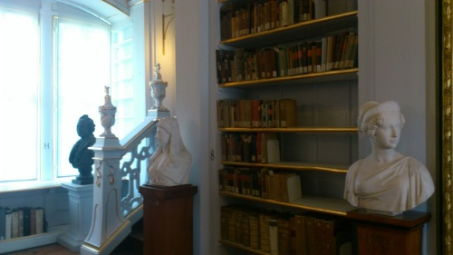 Weimar 07 Anna-Amalia-Bibliothek Rokokosaal 4