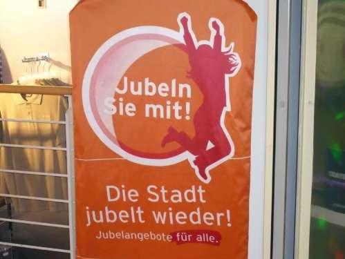 Jubel i d Stadt