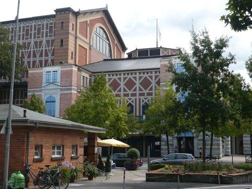 2014.08.11. 13 Zw.-Stopp i. BAYREUTH FestSpielHalle
