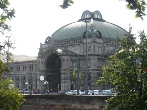 Nürnberg 095 Blick zum Hpt.-Bahnhof ...