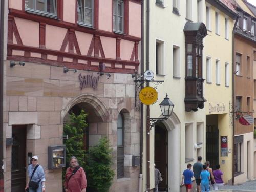 Nürnberg 051 Altstadt-Impression_A.-Dürer-Straße