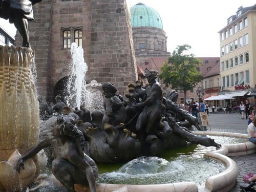 Nürnberg 045 Altstadt-Impression_Ehekarussell2