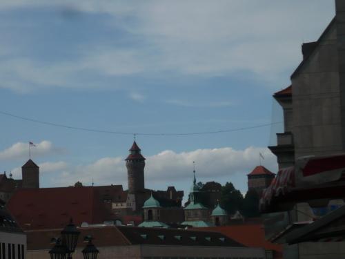 Nürnberg 041 Altstatdt-Blick zur Kaiserburg