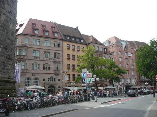 Nürnberg 003 Umfeld v. Hotel
