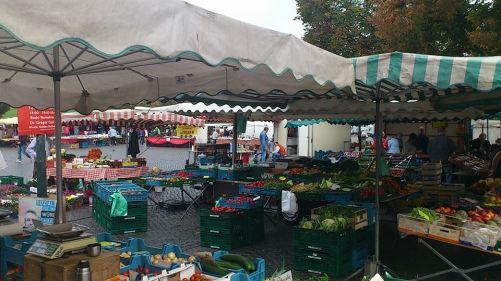 Domplatz Markttag