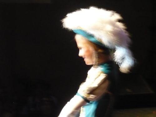 2014.03.01 41.FaCeDu-PrunkSitzung 11 Beifall für Junioren-Tanzmariechen