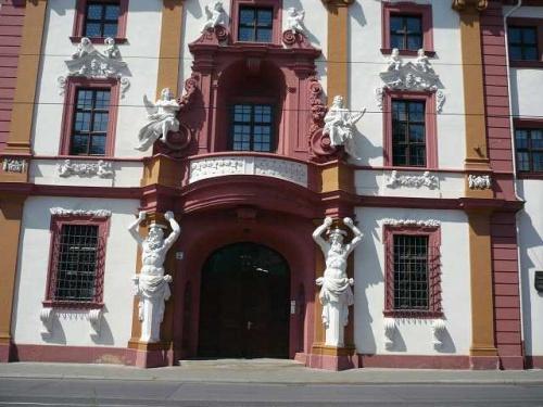 ERFURT - Eingang zur Staatskanzlei