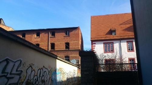 Pflöckengasse ... ruiniert neben saniert