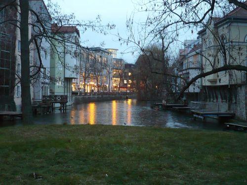 Junkersand Blick v. Rathausbrücke