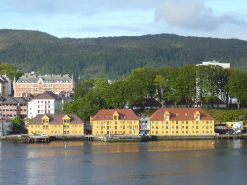 106_7.KreuzSchiffFahrt Ankunft i. Bergen