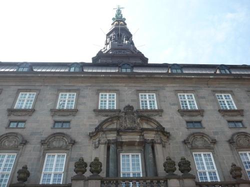 022_7.KreuzSchiffFahrt Schloss 01