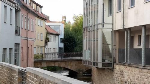 Lange Brücke gesehen vom Bergstrom