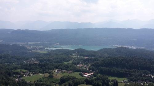 081 PYRAMIDENKOGEL Blick a.d. Keutschacher See