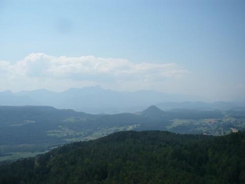 084 PYRAMIDENKOGEL Blick über Kärnten