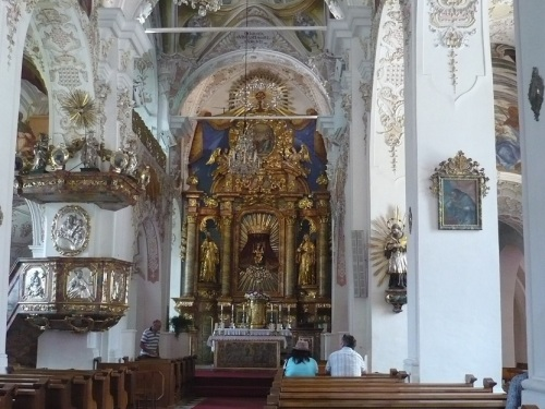 158 OSSIACH a. See STIFTSKIRCHE Altar