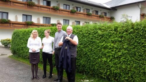 218 ABSCHIED v. Hotel FANTUR  _ Juniorchef, Servicepersonal u. Reiseleiter