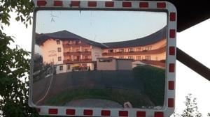 220 ABSCHIED v. Hotel FANTUR