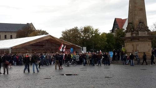 2015.09.16 AfD will Zeichen setzen, aber ... 03 Treff Domplatz