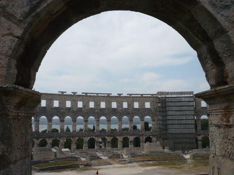 059 Pula_ Amphitheater