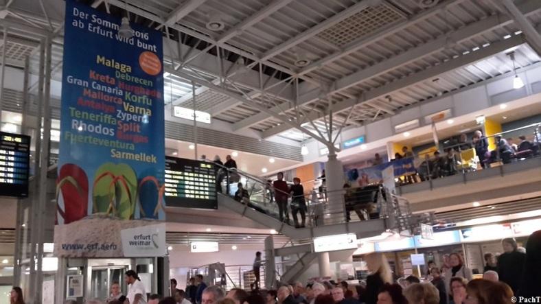 2016.02.20 Konzert FlughafenTerminal 10 Ambiente 3