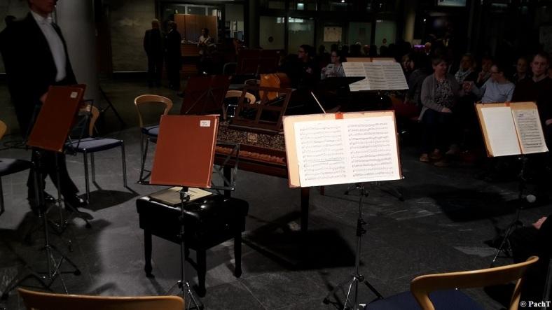 2016.02.20 Konzert FlughafenTerminal 11 Ensemble-Umstellung