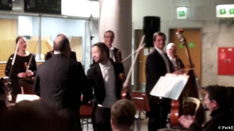 2016.02.20 Konzert FlughafenTerminal 13 Ovation u. Dank 1