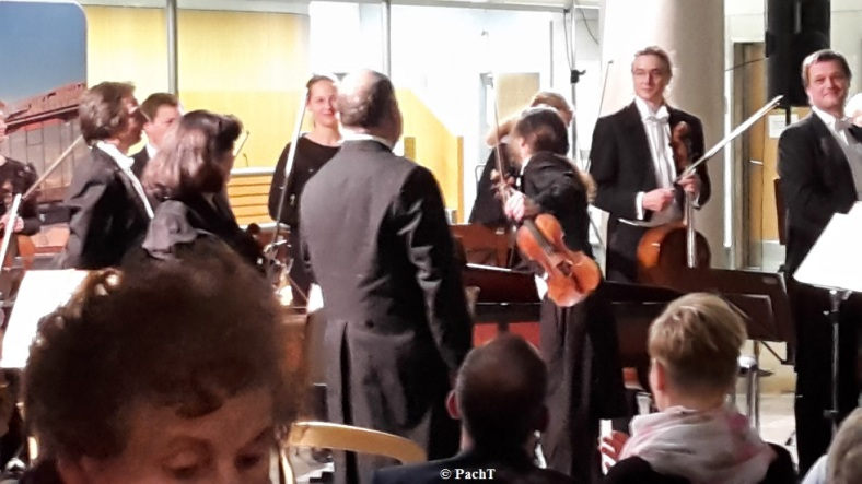 2016.02.20 Konzert FlughafenTerminal 14 Ovation u. Dank 2