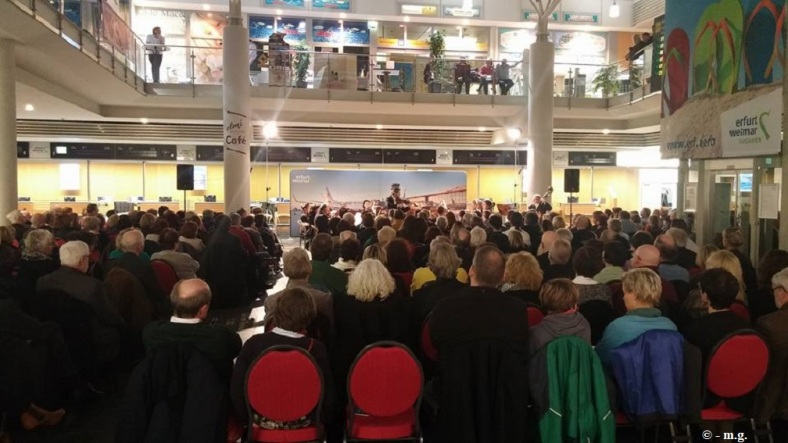 2016.02.20 Konzert FlughafenTerminal 15 Ovation -m.g.