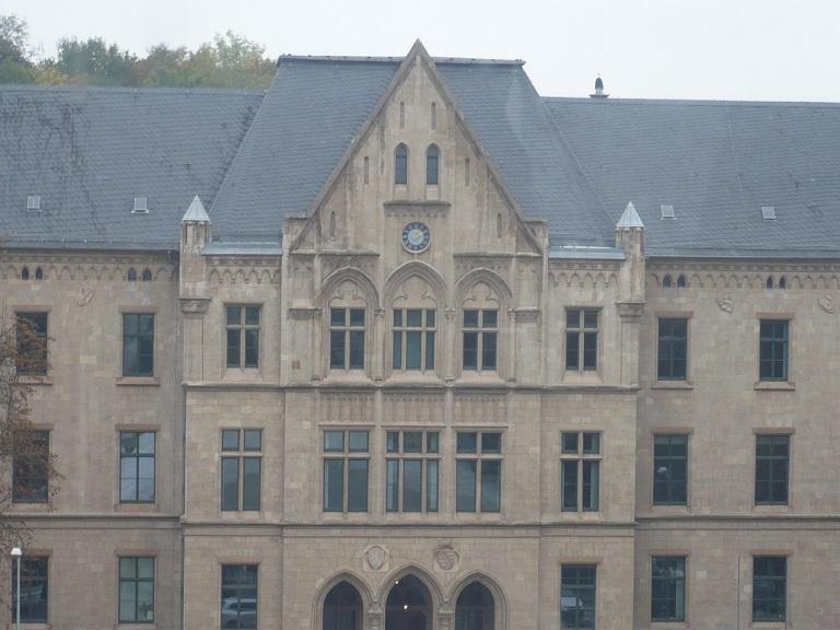 domplatz-ef-umkreis-aus-55m-gesehen_05-landgericht