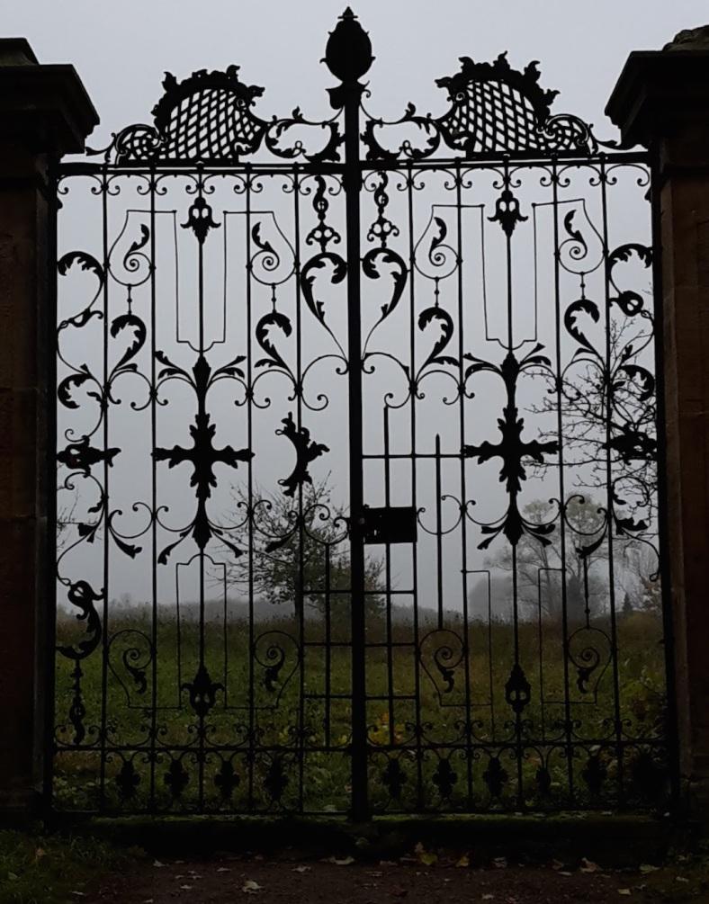 2017.11.07_04 Park und Schloss MOLSDORF ParkTor