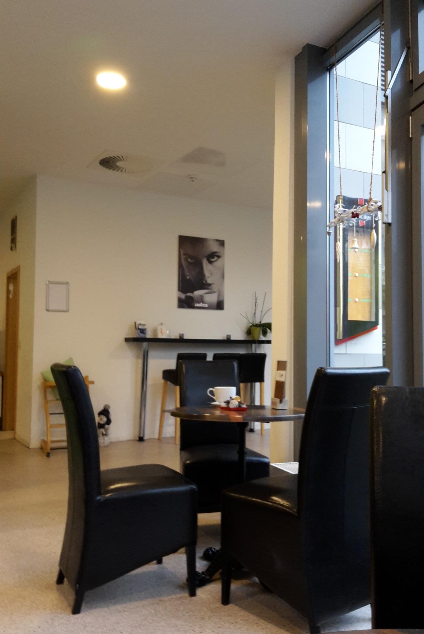 Otto-Knöpfer-Straße Cafe SüdPark 3