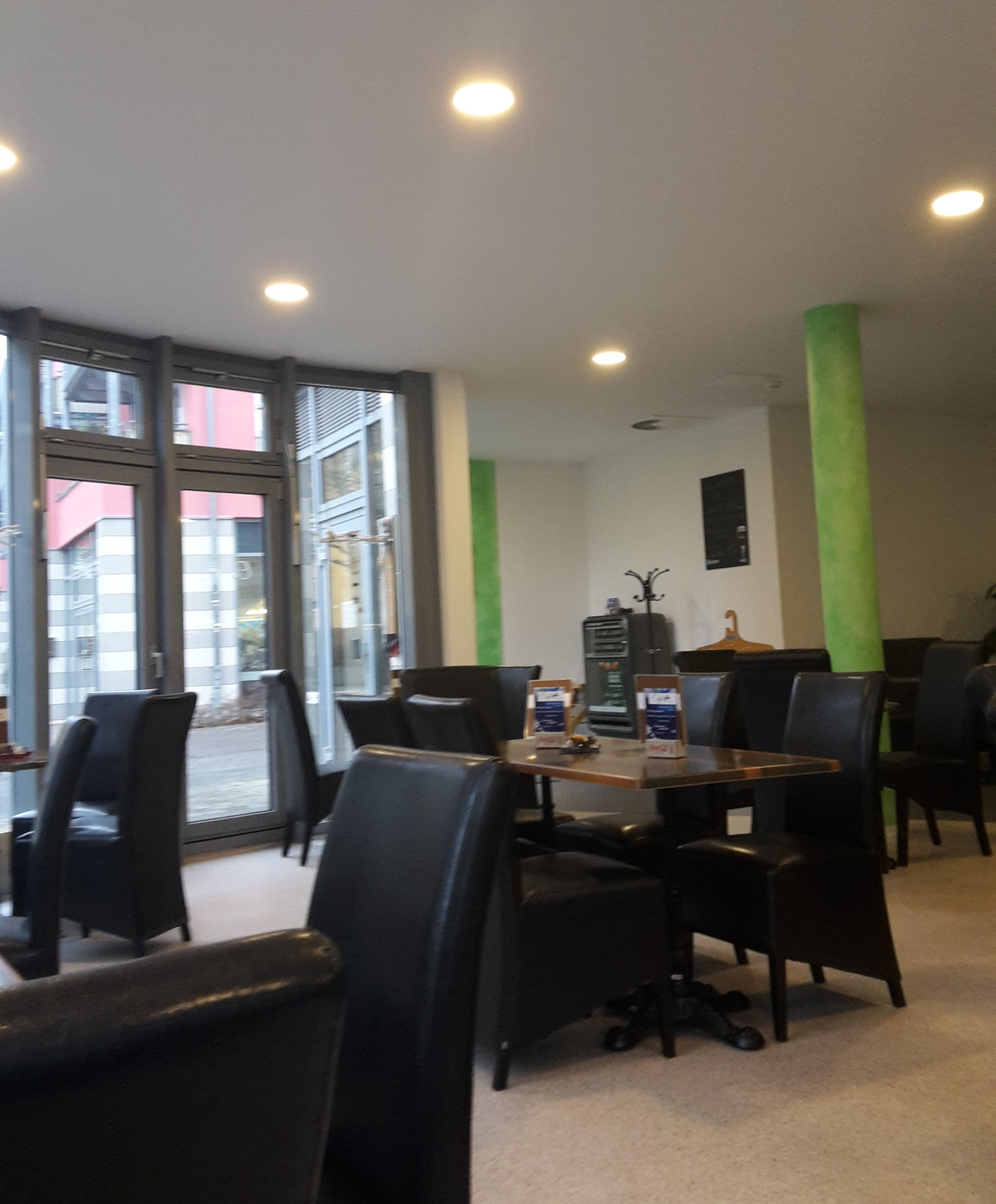 Otto-Knöpfer-Straße Cafe SüdPark 4